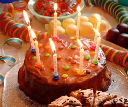 Geburtstag Torte Kuchen_Claudia Hautumm, Pixelio