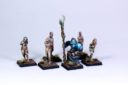 Mom Miniatures Nekromant Und Greens 01